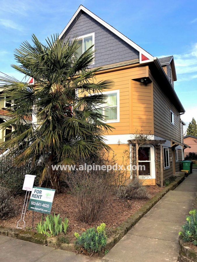 property_image - Apartment for rent in Portland, OR